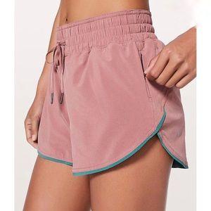LULULEMON Choose A Side Shorts Reversible Size 10